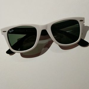 White Ray-Ban RB2140 Sunglasses